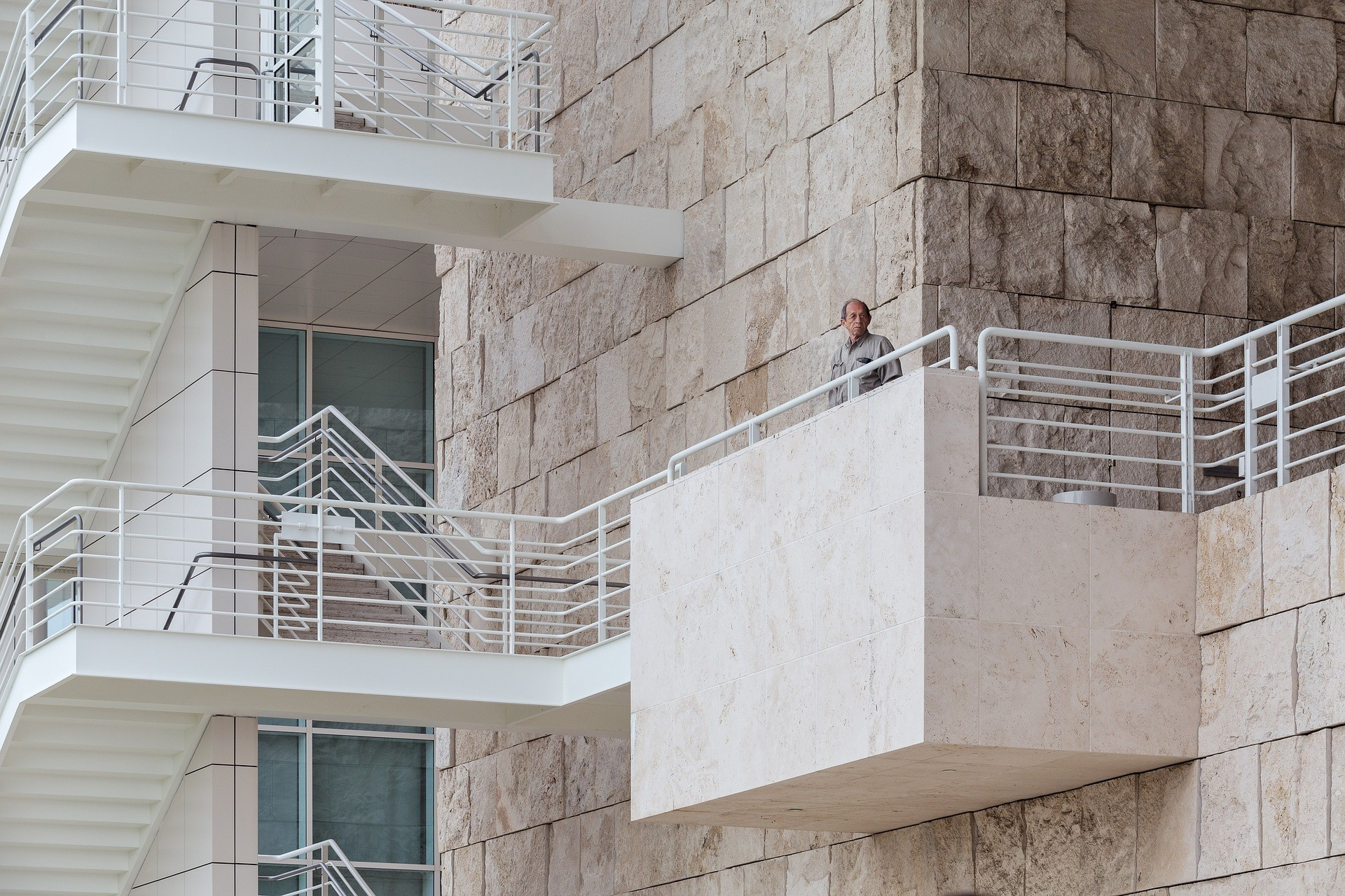Особенности проведения перепланировки балкона: согласование и другие нюансы