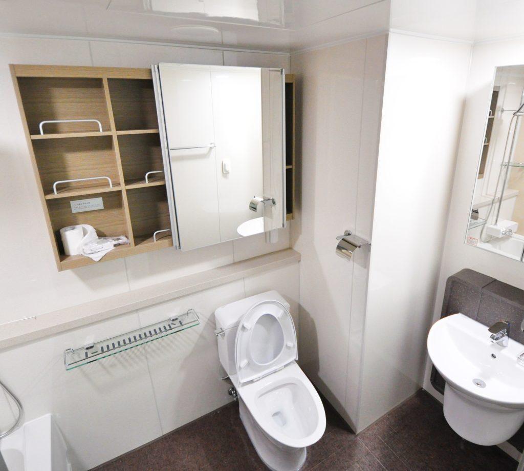 Перепланировка для компактной ванной комнаты