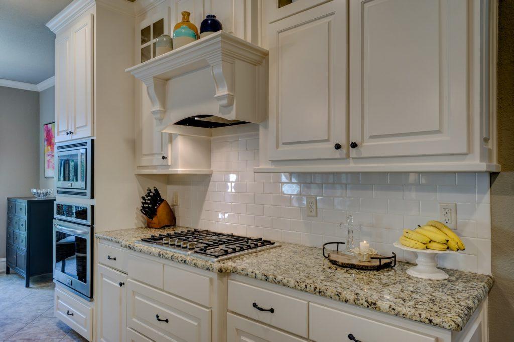 кухня с газовой плитой